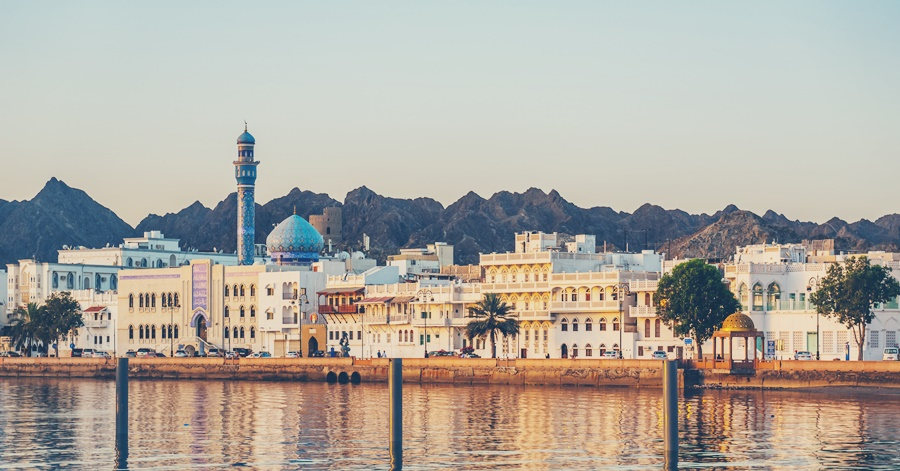 Oman OK's Direct Hiring in Private Sector
